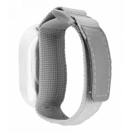 bracelet gris pour porter au poignet le bouton poussoir. Black Bedroom Furniture Sets. Home Design Ideas